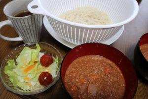 たまに思いつきで料理を作ります。意外と美味しくできるのです。【素麺のトマトつけ麺】