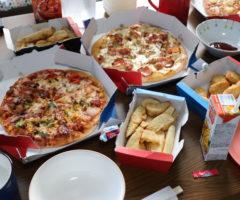 新居への引越し祝いと義姉へのお礼も兼ねてピザパーティーを開催しました。