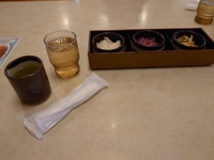 美味しいのを知っているのでメインが出されて即食べてしまい写真を撮り忘れました。【静岡県富士市】【とんかつ専門店】【かつ政】